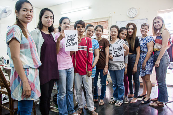 Photo de l'équipe de FairSew pour Fashion Revolution I Made Your Clothes
