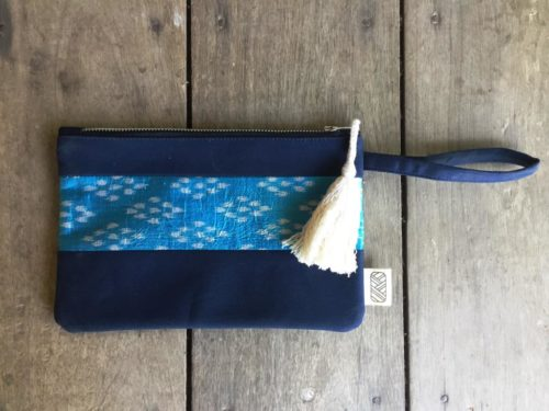 Pochette 15x22cm équitable upcycling - Collection Cambodge - Bleue Losanges