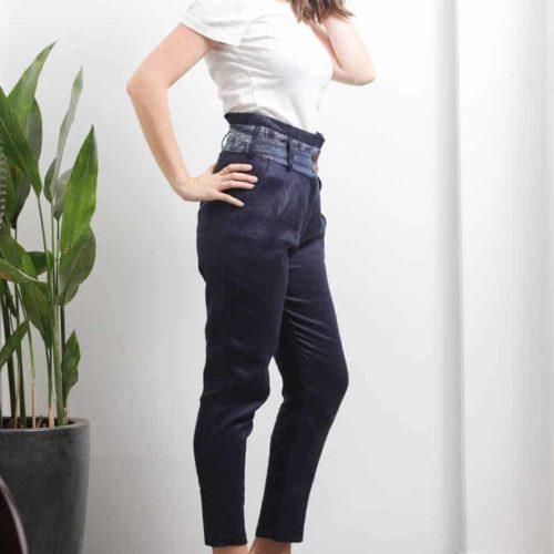 eco fashion femme pantalon coupe carotte lin chanvre bio artisanal batik teinture naturelle indigo