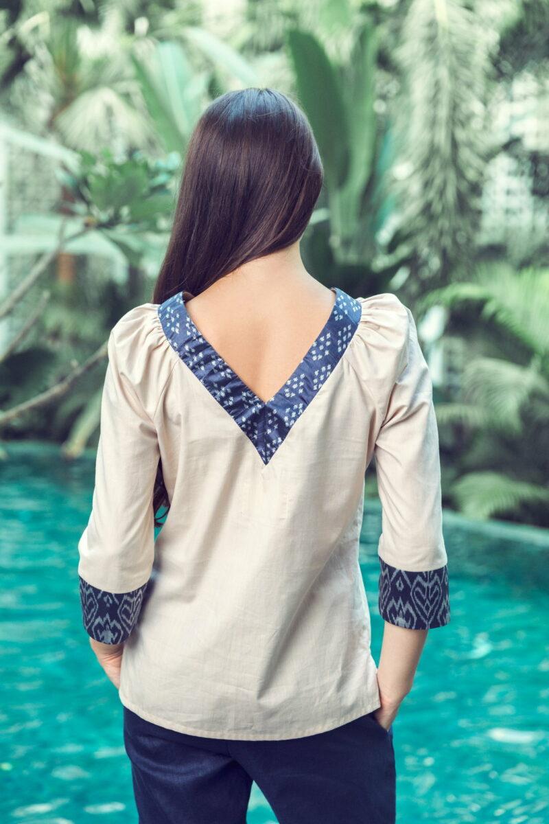 MUUDANA-Mode eco responsable-Blouse Sabay-Coton et soie-Motif Ikat-Couleur Beige et gris-Vue dos - Vertical