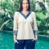 MUUDANA-Mode eco responsable-Blouse Sabay-Coton et soie-Motif Ikat-Couleur Beige et gris-Vue face mains poches - Vertical