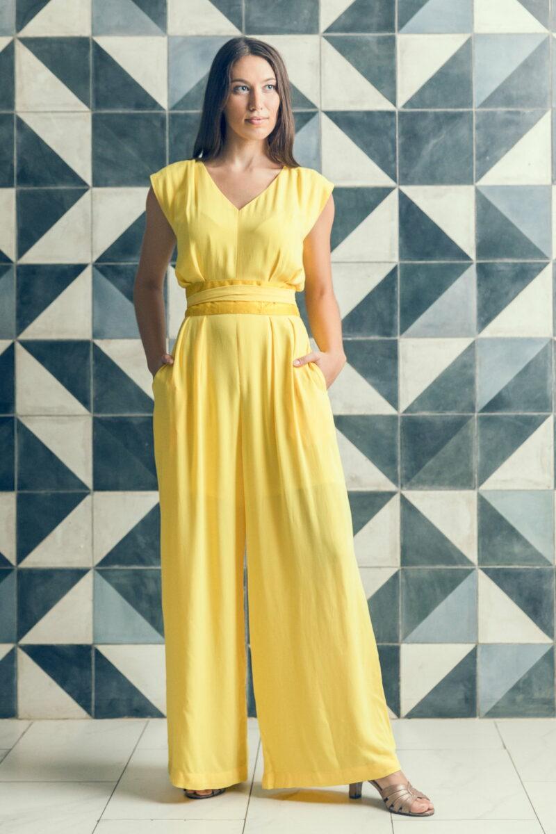 MUUDANA-Mode eco responsable-Combinaison Pantalon Bayon-Coton et soie-Couleur Jaune-Vue face mains poches - Vertical