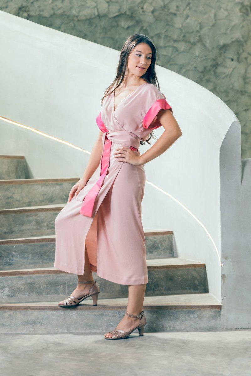 MUUDANA-Mode eco responsable-Robe Angkor-Coton et soie-Couleur Rose-Vue cote - Vertical