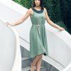 MUUDANA-Mode eco responsable-Robe Apsara-Coton et soie- Couleur Vert-Vue cote-Avec ceinture - Vertical