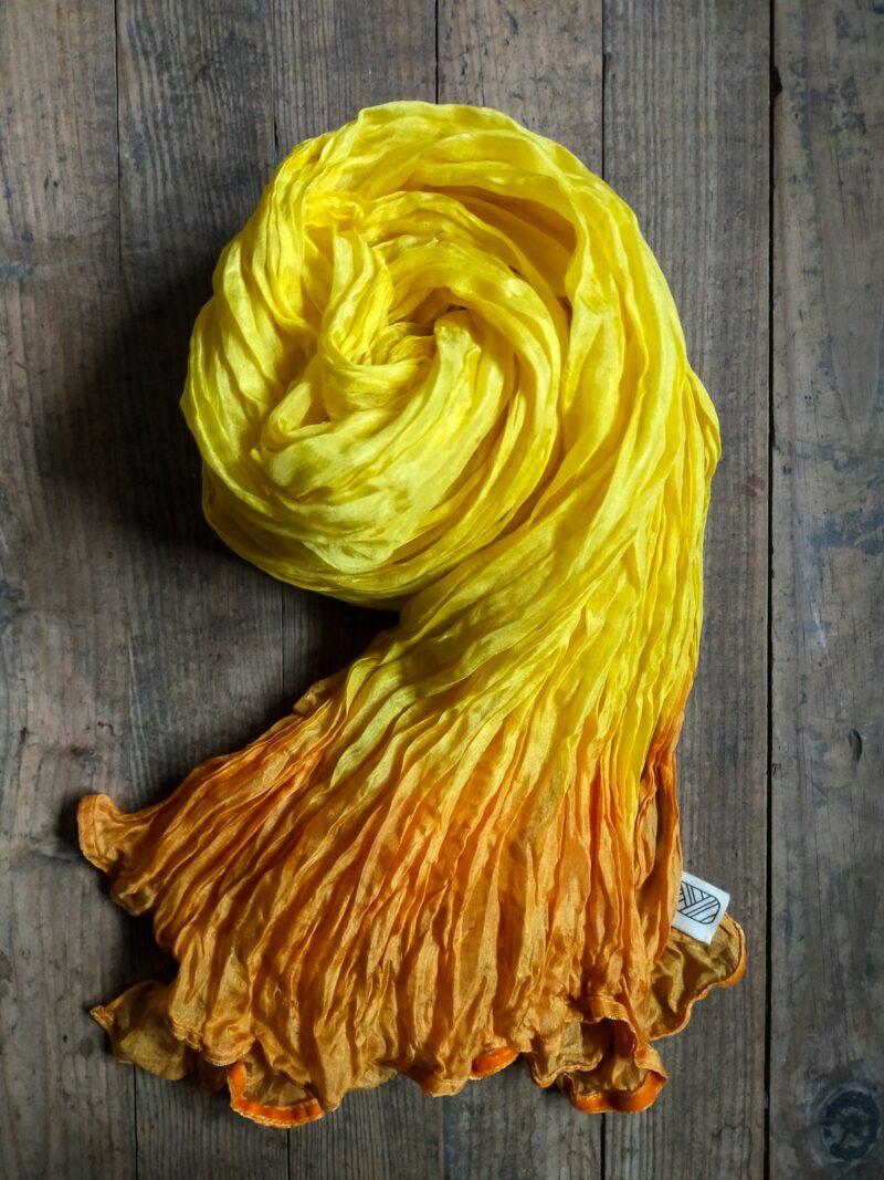 Foulard équitable en soie jaune