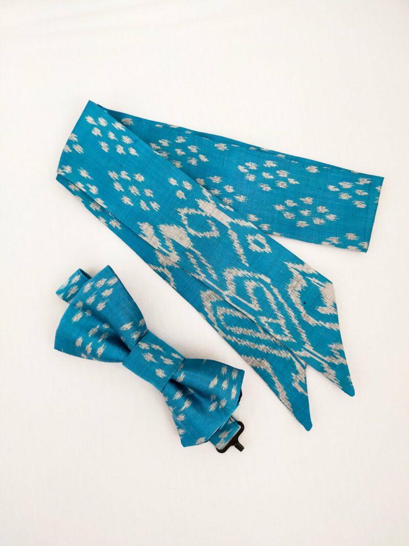 Noeud papillon équitable en soie et mini foulard en soie bleu motif blanc