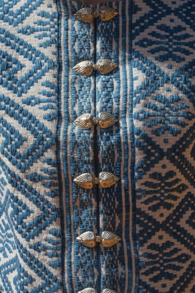 details veste motif ethnique